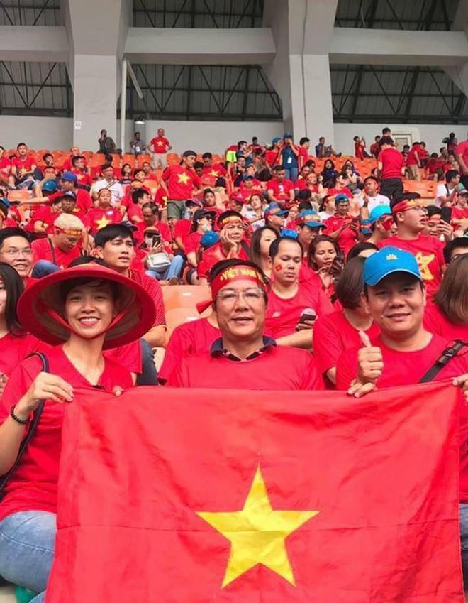 Quỳnh búp bê thả thính Công Phượng khi Việt Nam thắng Philippines - Ảnh 7.