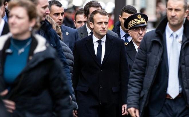 Tổng thống Pháp trước khoảnh khắc của sự thật