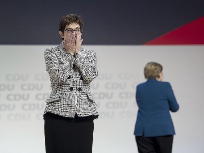 Thời khắc huy hoàng của Thủ tướng Merkel: Cả khán phòng đồng loạt đứng dậy, vỗ tay rền vang trong 8 phút - Ảnh 7.