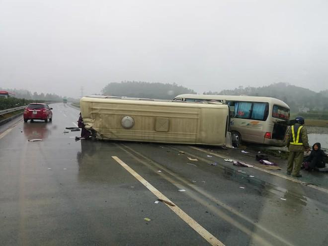 Hiện trường vụ tai nạn khiến cả mạng xã hội xôn xao sáng chủ nhật  - Ảnh 6.