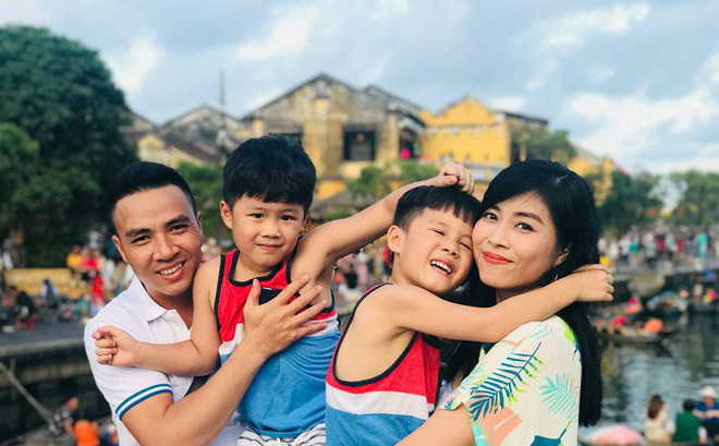 """Sau khi làm lành với chồng sắp cưới, MC Hoàng Linh lại bất ngờ chia sẻ cảm giác """"rất lẻ loi"""""""