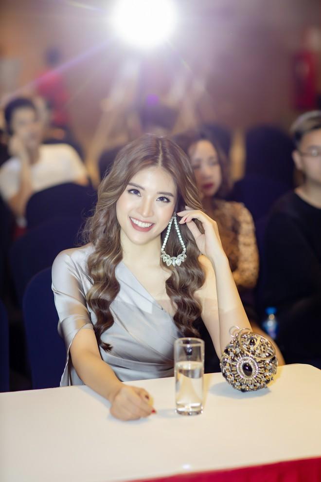 Hoa hậu Phan Hoàng Thu tỏ tình với thủ môn Lâm Tây: Tôi không ngại những lời đám tiếu - Ảnh 3.