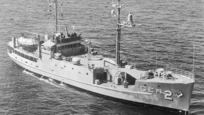 Triều Tiên bắt tận tay tàu gián điệp, Mỹ bẽ bàng nhận lỗi, suýt nổ ra chiến tranh hạt nhân - Ảnh 1.