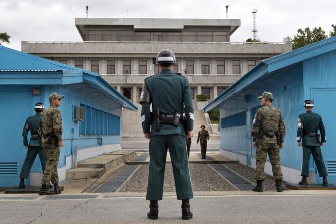 Vụ lính Triều Tiên dùng rìu giết 2 binh sĩ Mỹ và cái cây suýt gây ra một cuộc chiến - Ảnh 1.