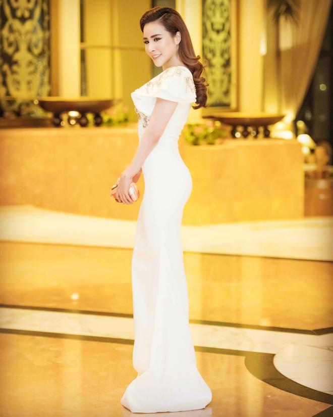 Ngắm hoa hậu Hoàng Dung kiều diễm và sang trọng - Ảnh 4.