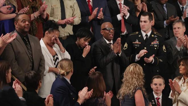 Thông điệp Liên bang của ông Trump: Cuộc chiến khách mời và 3 năm nhớp nhúa của nước Mỹ - Ảnh 7.