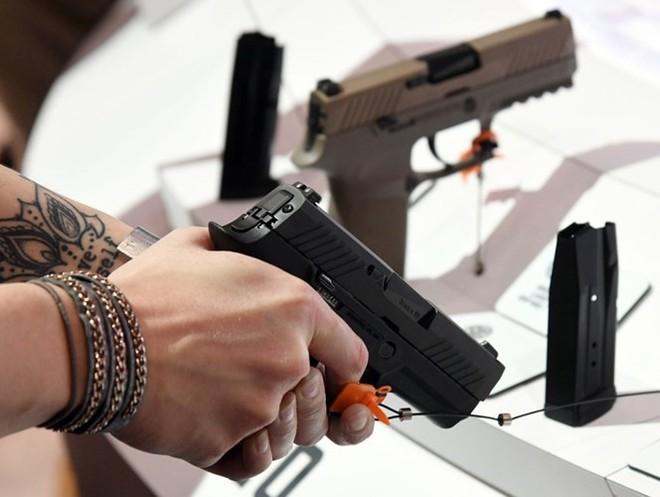 Những khẩu súng đáng sợ nhất tại triển lãm vũ khí SHOT - Ảnh 12.