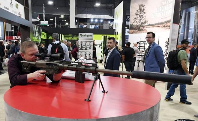 Những khẩu súng đáng sợ nhất tại triển lãm vũ khí SHOT - Ảnh 14.