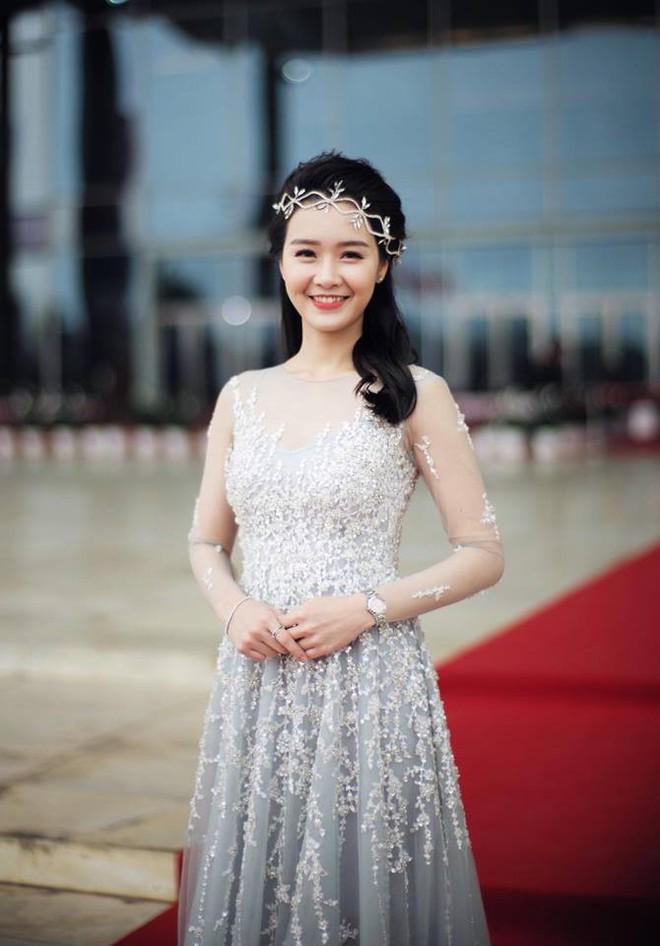Chân dung biên tập viên đẹp như sao Hàn của VTV - ảnh 9