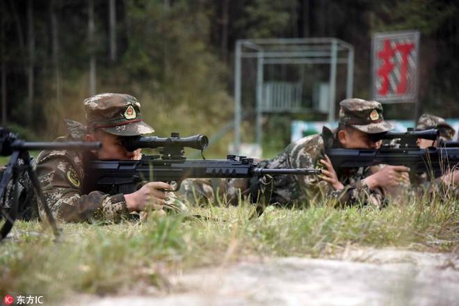 Bài tập kỳ lạ của lính bắn tỉa Trung Quốc - Ảnh 7.