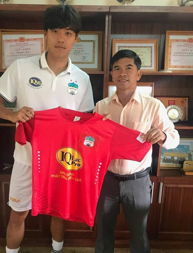 HAGL chốt người đá cặp với Công Phượng, hướng về ngôi vương V-League 2018 - Ảnh 1.