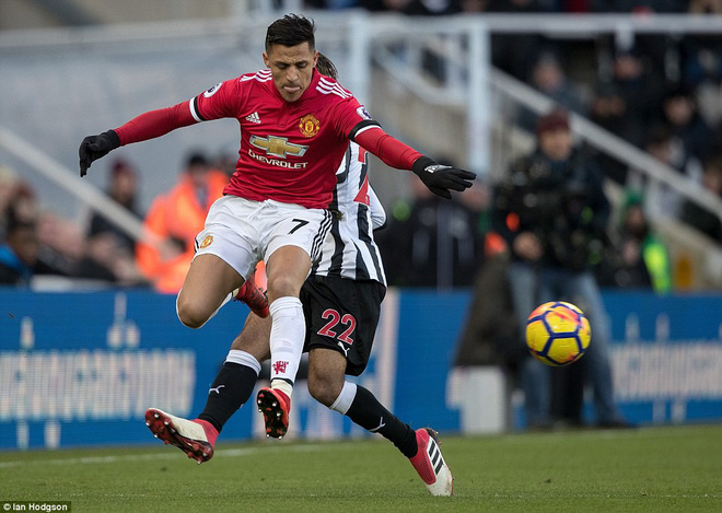 Cái dớp ghê gớm của Mourinho và Sanchez hạ sát Man United đớn đau - Ảnh 4.