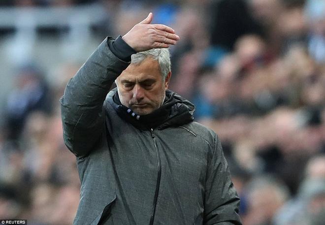 Cái dớp ghê gớm của Mourinho và Sanchez hạ sát Man United đớn đau - Ảnh 19.