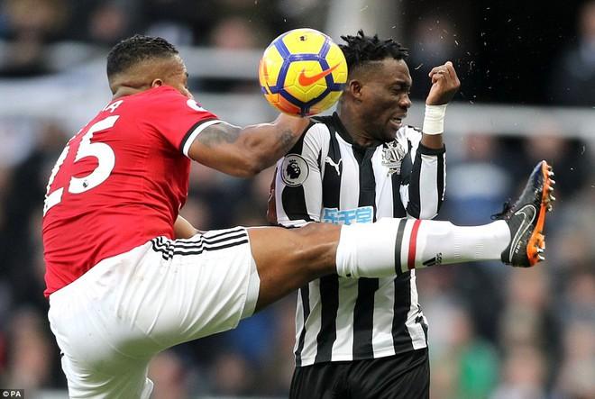 Cái dớp ghê gớm của Mourinho và Sanchez hạ sát Man United đớn đau - Ảnh 21.