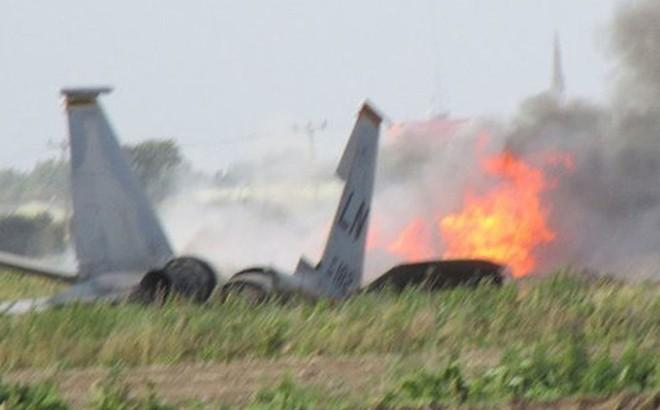 """Thêm tiêm kích F-15 Israel bị tên lửa phòng không Syria """"hỏi thăm"""", ngoài F-16 đã rơi"""