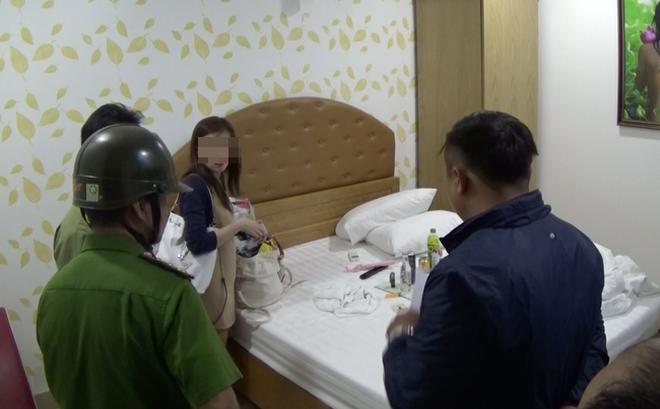Công an phát hiện hàng loạt nam nữ đang phê ma tuý trong khách sạn ở Sài Gòn