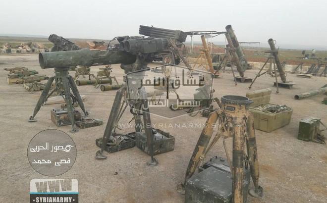 """Quân đội Syria thu giữ lượng vũ khí """"sát thủ"""" khổng lồ của IS: Nga, Mỹ đủ cả"""
