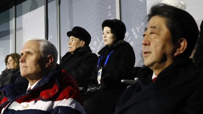 Đi muộn, tìm mọi cách né người Triều Tiên, PTT Mỹ bị báo Hàn nói thẳng là bất lịch sự - Ảnh 1.