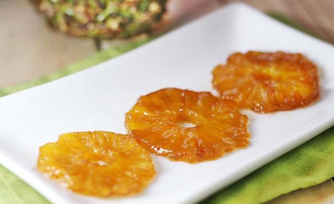 Dứa là trái cây tốt cho nội tạng, làm sạch đường ruột, nhưng nhóm người này không nên ăn - Ảnh 2.