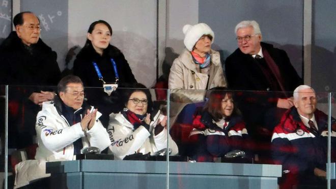 Ông Mike Pence phạm sai lầm, Mỹ thua đau trước sức mạnh mềm Triều Tiên Kim Yo Jong - Ảnh 1.