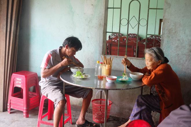 Ngày xuân về xứ Quảng ăn tô mỳ giá… 5.000 đồng - Ảnh 6.