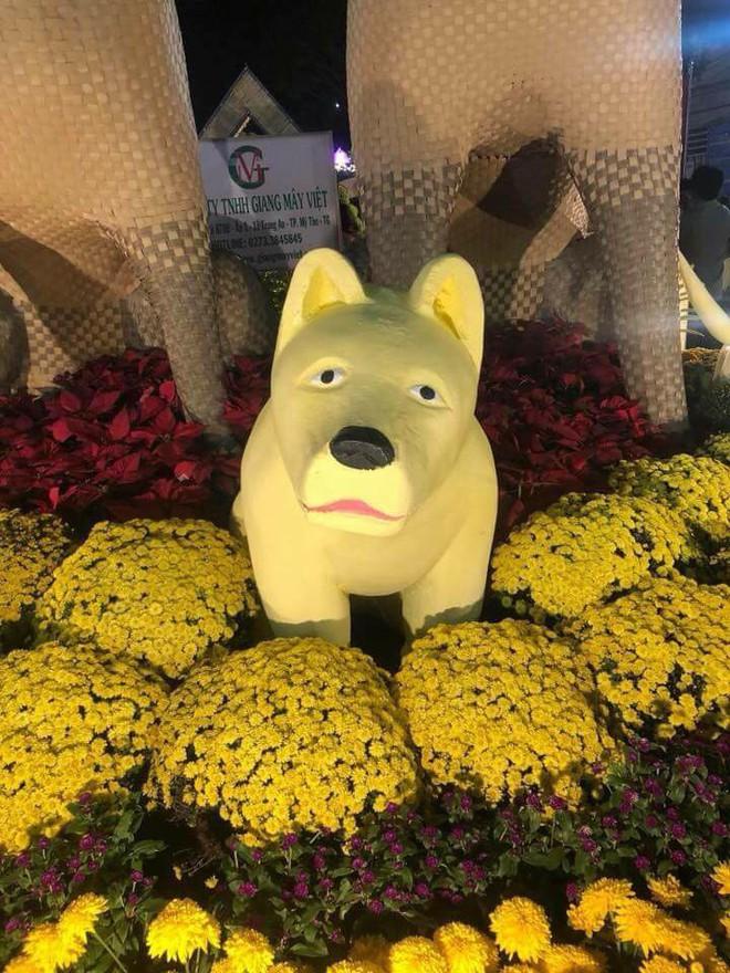 Sở hữu khuôn mặt buồn rười rượi, chú chó khiến nhiều người bật cười trong ngày giáp Tết - ảnh 3