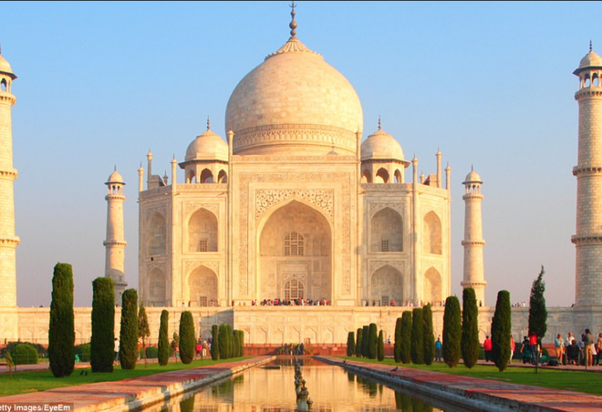 Lăng Taj Mahal biểu tượng của Ấn Độ đã chuyển thành màu vàng vì một lý do cực kỳ đáng ngại - Ảnh 2.