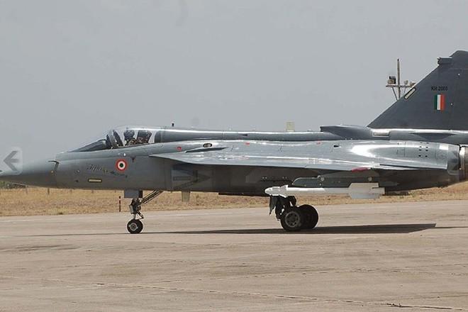 Ảnh: Hỏa lực đáng gờm của máy bay tiêm kích đa nhiệm Ấn Độ Tejas - Ảnh 2.