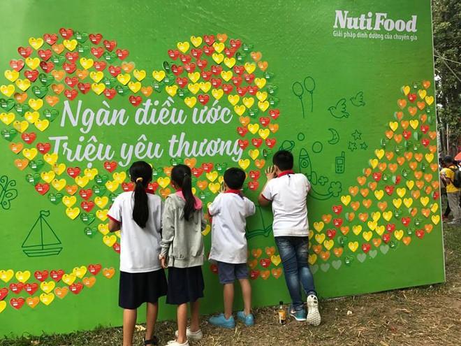 NutiFood hỗ trợ 1,6 tỷ đồng chăm lo Tết cho trẻ em nghèo - Ảnh 4.