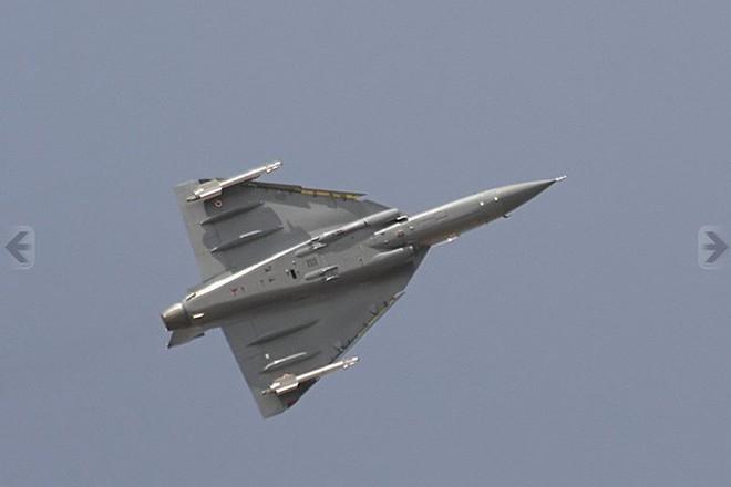 Ảnh: Hỏa lực đáng gờm của máy bay tiêm kích đa nhiệm Ấn Độ Tejas - Ảnh 3.