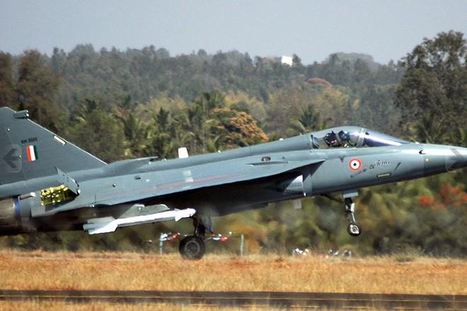 Ảnh: Hỏa lực đáng gờm của máy bay tiêm kích đa nhiệm Ấn Độ Tejas - Ảnh 5.