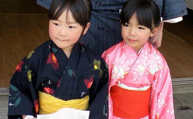 Học cách mẹ Nhật dạy con về ngày Tết truyền thống