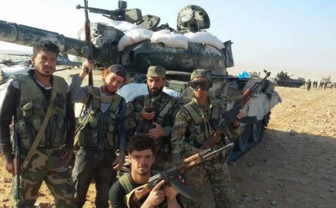 """Nín thở chờ giờ G ở Syria: Cuộc chiến khốc liệt tại """"nồi hầm"""" bắc Homs sắp bùng nổ?"""