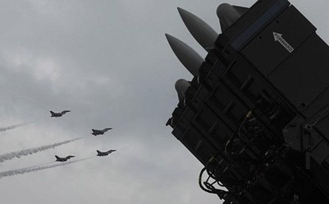 """Video: Israel """"hối hả"""" đưa hệ thống phòng thủ tên lửa tới sát biên giới Syria"""