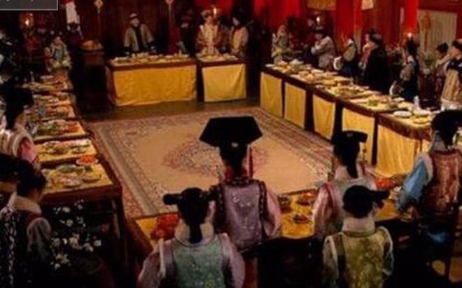 Những nghi thức đón Tết trong hoàng tộc nhà Thanh
