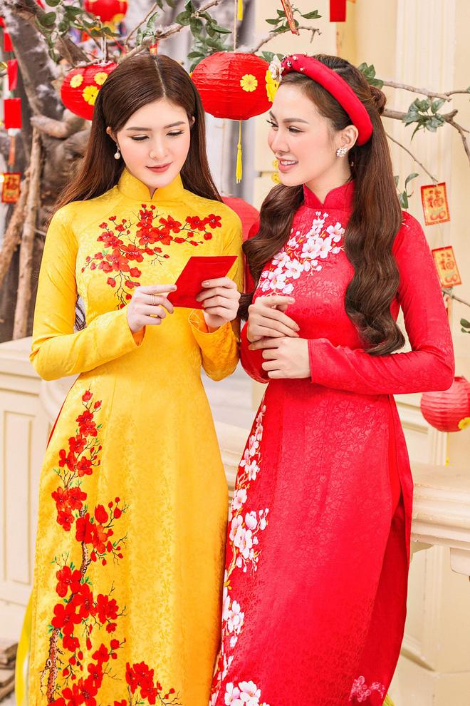 Kelly Nguyễn rủ bạn thân Lilly Luta diện áo dài đi dạo phố cuối năm - ảnh 5
