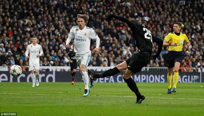 Lội ngược dòng bằng cú đúp khó tin, Ronaldo khiến Neymar nuốt hận - Ảnh 11.