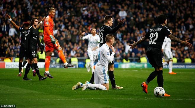 Lội ngược dòng bằng cú đúp khó tin, Ronaldo khiến Neymar nuốt hận - Ảnh 16.