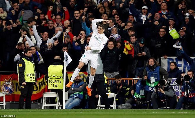 Lội ngược dòng bằng cú đúp khó tin, Ronaldo khiến Neymar nuốt hận - Ảnh 25.