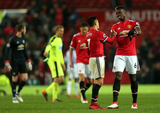 Pogba trơ tráo trở cờ: Mourinho chết điếng, Man United rúng động trong tâm bão - Ảnh 3.