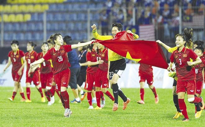 Tết đủ đầy của bóng đá Việt