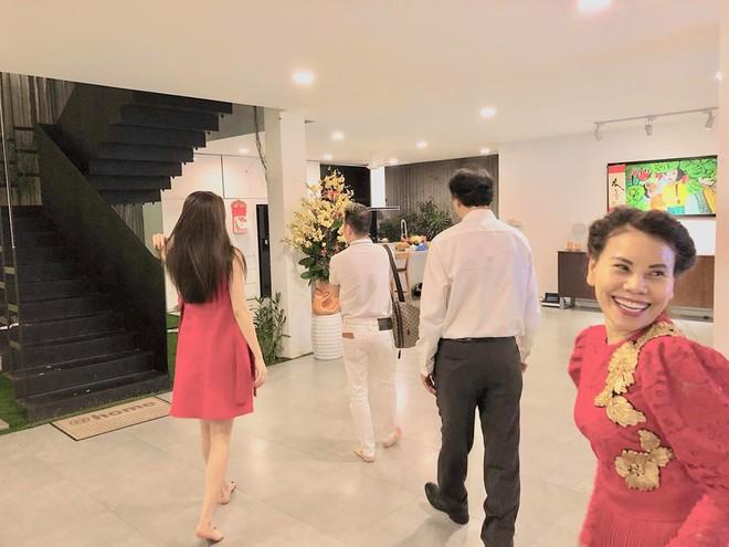 Đàm Vĩnh Hưng xông biệt thự của Hồ Ngọc Hà lúc 1h30 sáng - Ảnh 4.