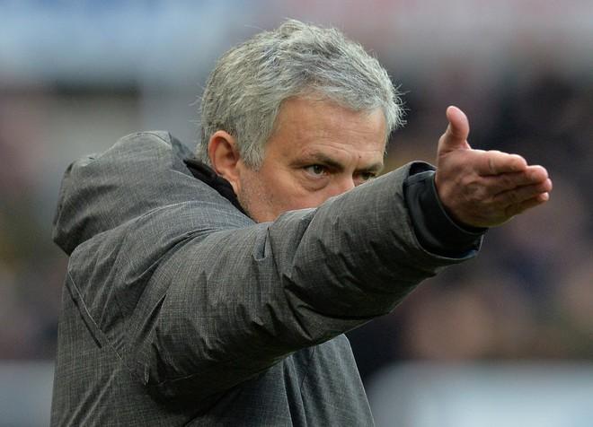 Mourinho lên tiếng về mối quan hệ với Pogba, công kích dữ dội giới truyền thông - Ảnh 3.