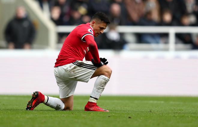 Không phải Pogba, Alexis Sanchez mới là người cần thay đổi - Ảnh 4.