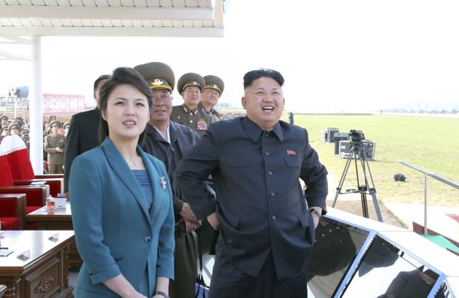 Đệ nhất phu nhân trâm anh thế phiệt của Triều Tiên từng là thành viên binh đoàn sắc đẹp? - Ảnh 2.