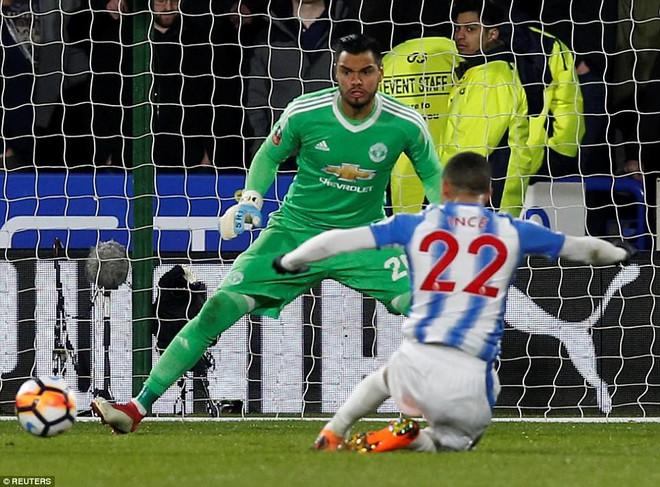 Mourinho nuốt lời vụ Pogba, Lukaku nổ súng đưa Man United trở lại - Ảnh 6.