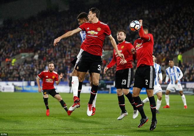 Mourinho nuốt lời vụ Pogba, Lukaku nổ súng đưa Man United trở lại - Ảnh 8.
