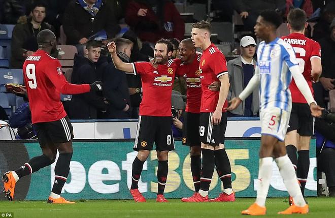 Mourinho nuốt lời vụ Pogba, Lukaku nổ súng đưa Man United trở lại - Ảnh 11.