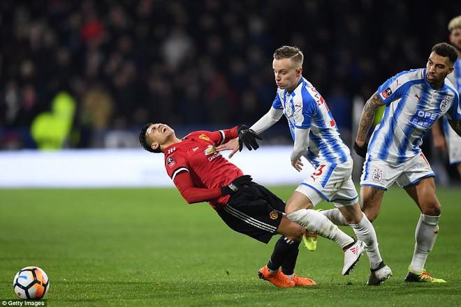 Mourinho nuốt lời vụ Pogba, Lukaku nổ súng đưa Man United trở lại - Ảnh 13.