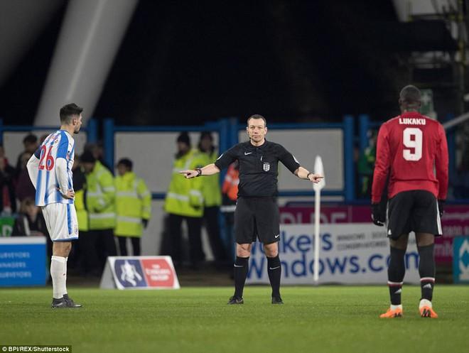 Mourinho nuốt lời vụ Pogba, Lukaku nổ súng đưa Man United trở lại - Ảnh 15.